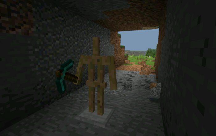 Self Mining Robot (Command Blocks) [Redstone] (Beta Only